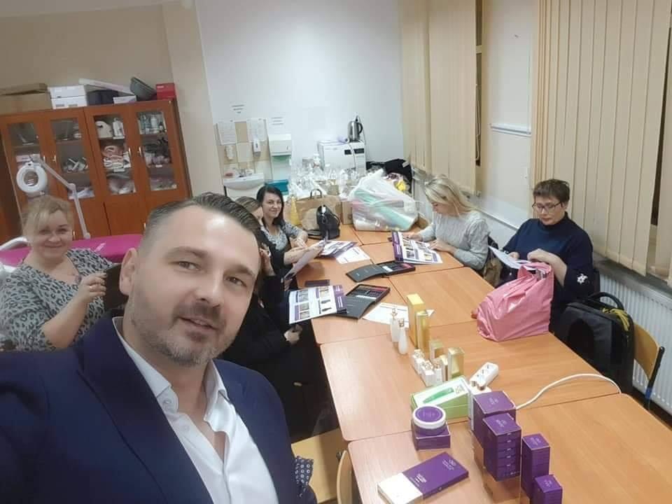 Technik Usług Kosmetycznych w akcji